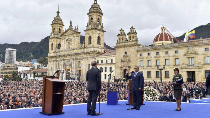 Iván Duque geïnaugureerd als 60e president van Colombia